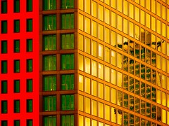 Rundheraus (Postsumptio) Tags: house building window architecture skyscraper reflections germany evening europe geometry frankfurt contemporary line diagonal ptlens yellowred twocolors timeofday highriseofficebuilding