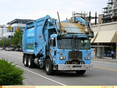 Smithrite 237 (TheTransitCamera) Tags: lonsdale quay vancouver bc britishcolumbia canada northvancouver smithrite waste removal hauling wittke truck peterbilt fel trash garbage