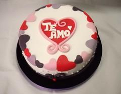 Love love love... (Mariana Pugliese) Tags: love blanco cake rojo amor negro rosa lila romantic feliz cumpleaños corazón torta valentinesday violeta sanvalentin teamo 241543903 marianapugliese