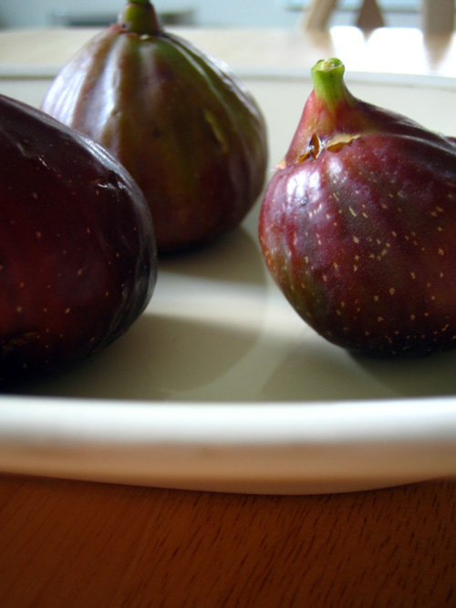 The figs are here...