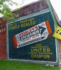 Old Sign (BOB WESTON) Tags: clintonmissouri wrigleysgum