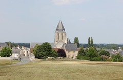 VERNOIL LE FOURRIER (PURÊN MICHEL 49) Tags: vernoil rural religion prieure patrimoine panorama monument jardin france eglise clocher architecture anjou beauxvillagesdefrance vieillepierres paysdelaloire michelphotographie49 village province campagne klosterkirche kirche chiesa church igreja priory priorat monastère monastery monasterio kloster