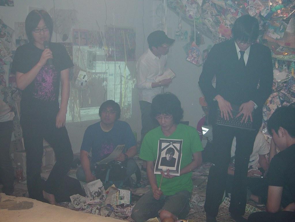 "Yohei Kurose, @esehara and Tomonori Arakawa. ""ART catch Chaos-la"""