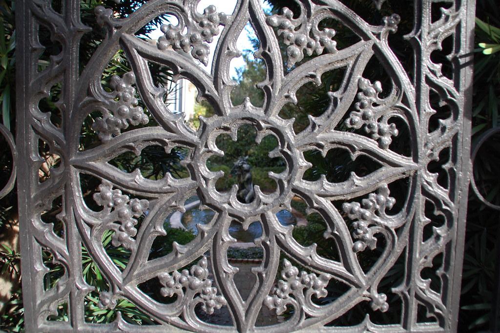 Wrought Iron Outdoor Decor Savannah 280