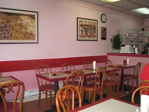 Au Petit Cafe (Southern Main Street)