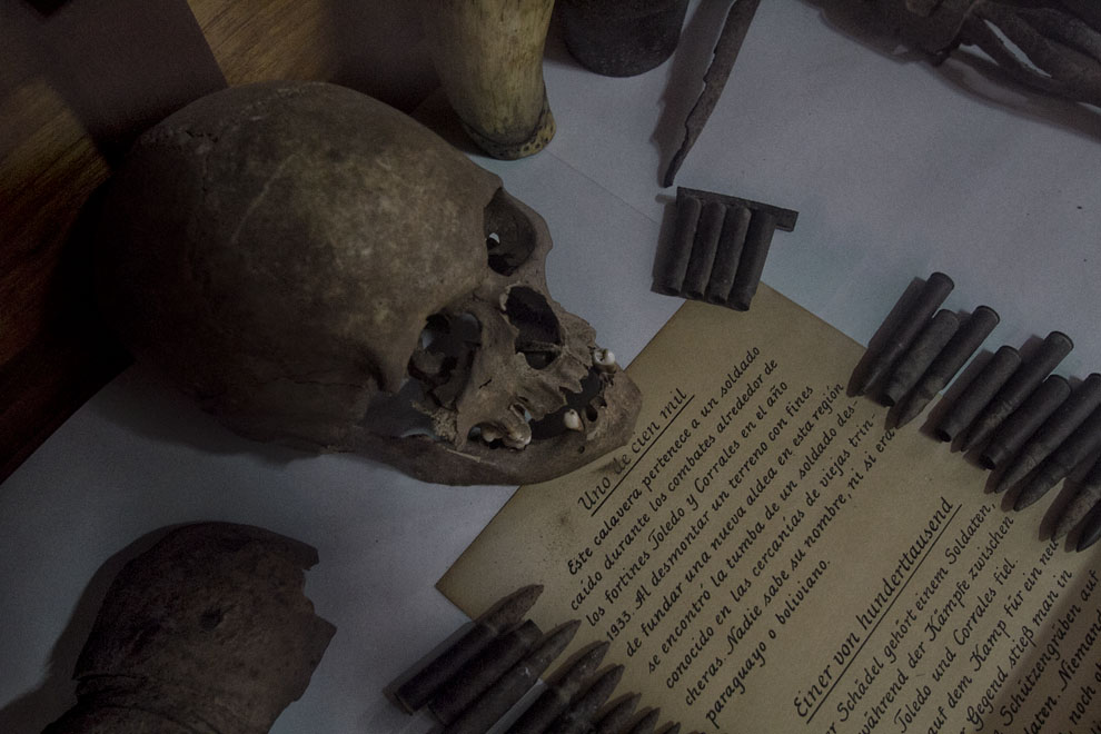 El cráneo de un soldado encontrado en una excavación en la Colonia Menonita de Filadelfia se exhibe en el museo de la Ciudad. (Tetsu Espósito - Filadelfia - Chaco, Paraguay)