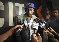 dumb as knicks sign Amare Stoudemire