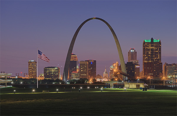 Gateway Arch, view from East Saint Louis, Illinois, USA