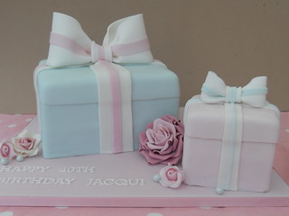Present cake by Cotton and Crumbs