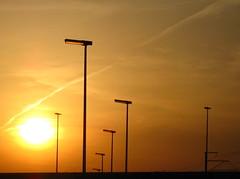 Leuvense zonsondergang (Kristel Van Loock) Tags: sunset sol leuven zonsondergang tramonto belgium belgique drieduizend belgi beautifullight tramonti belgica paesaggi zon lampioni louvain flanders belgien belgio lampposts coucherdusoleil vlaanderen flandre wijgmaal vlaamsbrabant lovanio fiandre
