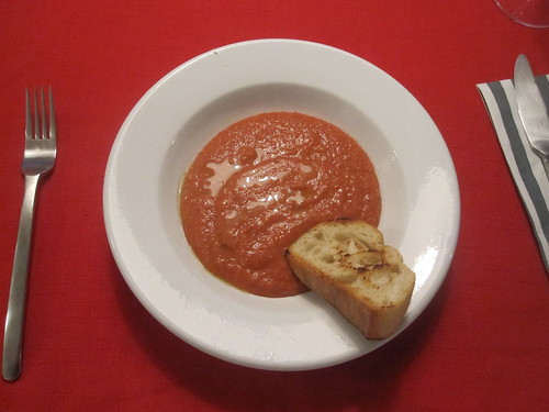 strawberry-pepper gaspacho with thym and garlic toast