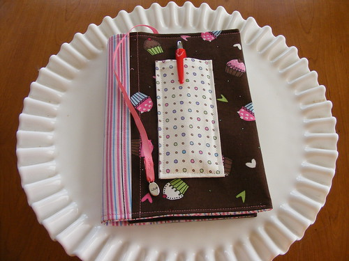 Cupcake notebook holder