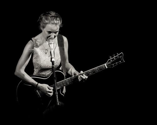 Kristin Hersh on stage at Whelans, Dublin