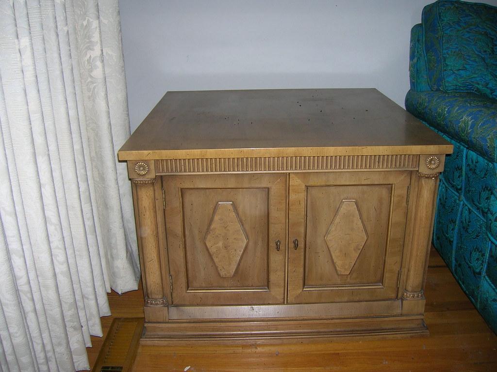 DSCN0725/ Square End Table