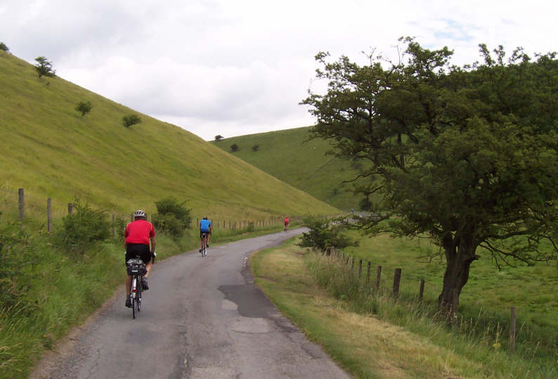 Descent in to Thixendale