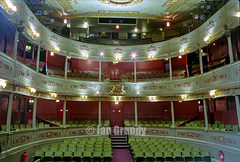 01 Bristol Royal 23-1 (stagedoor) Tags: uk england copyright building architecture circle bristol teatro theater theatre balcony olympus scanned inside seating kingstreet avon stalls theatreroyal listed grade1 oldvic