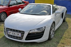 2010 audi R8 roadster V10 (pontfire) Tags: auto cars car nikon automobile voiture coche carros carro autos oldcar audi supercar lemans classiccars automobiles coches v10 voitures lmc 2010 supercars racecars automobili r8 wagen sportcars vieillevoiture audir8 nikond200 germancars lemansclassic voituredecollection voitureancienne worldcars r8v10 voitureallemande lemansclassic2010 2010lemansclassic uxurycars voituredecourses pontfire