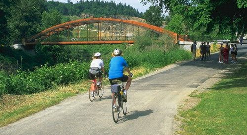 綠河新堤壩上層單車專用道