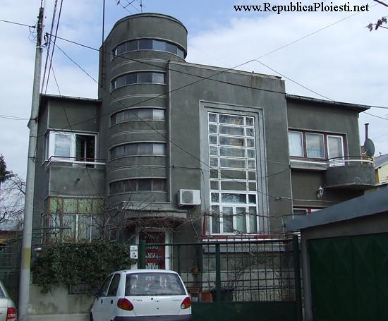Art Deco in Ploiesti - Casa in spatele Bulevardului