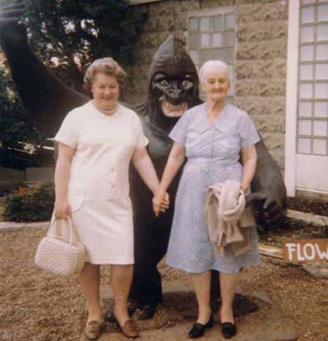 granny-gorilla