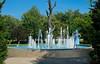 Lady of the Fountain (benoitchampagnephoto) Tags: ca canada montréal québec fontaine physique cheveuxcourts cheveuxblonds modèles modles yeuxbleux montržal qužbec yeuxclairs biancapételle biancapžtelle