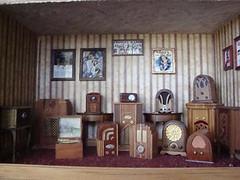 Radio Roombox by Carolyn Huffman carolynhuffman6535@yahoo.com