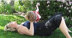 bebeğiniz ile spor yapmak için zaman yaratın