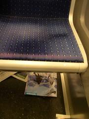 Métro - 09 (Stephy's In Paris) Tags: paris france underground subway nikon metro métro francia stephy nikoncoolpix4300 coolpix4300 métroparisien métropolitain métrodeparis stephyinparis