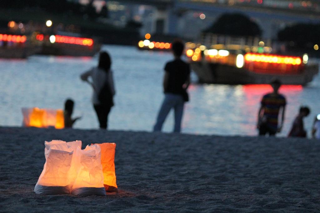 Paper Lantern Festival in Odaiba 2010 (12)