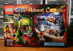 2824 - LEGO 2010 CITY Advent - Box