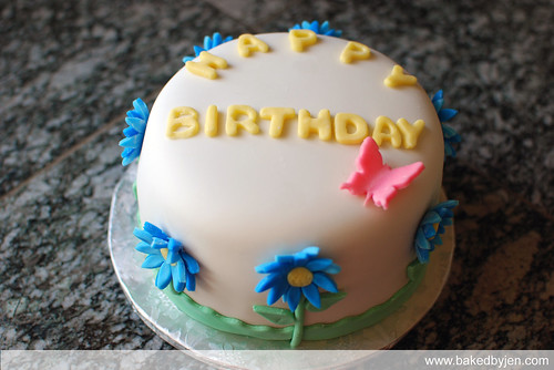 blue daisies b-day cake - top