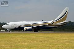 N737GG - 29136 - Mid East Jet - Boeing 737-74Q BBJ - Luton - 100802 - Steven Gray - IMG_0954