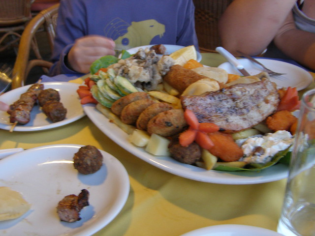 pikilia greek  mixed grill