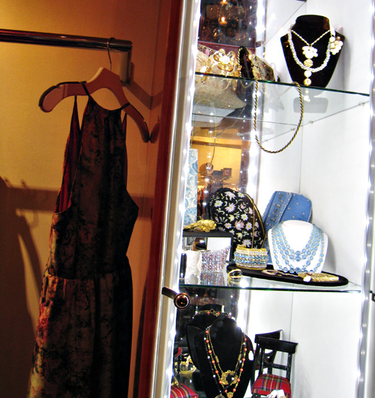Annie Creamcheese shop in Vegas+vintage jewelry