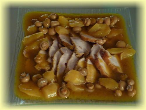 lomo con peras y champiñones