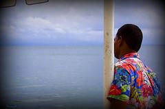 espera (Seracat) Tags: sea mer canon hotel mar dominicanrepublic caribbean carib garon caribe repblicadominicana camarero saman cambrer cayolevantado bahadesaman seracat peninsuladesaman granbahaprincipe