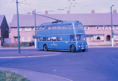 Walsall 866 Mossley Estate (Guy Arab UF) Tags: buses 1956 sunbeam willowbrook walsall trolleybus 866 trolleybuses bloxwich f4a mossleyestate 8september1969 xdh66
