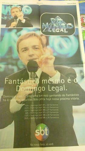 Anúncio: Domingo Legal vencendo o Fantástico por 6 semanas seguidas. 27/05/2001