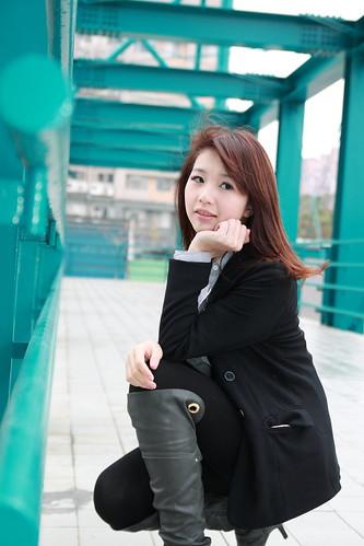 フリー写真素材, 人物, 女性, アジア女性, 頬杖をつく, 台湾人,