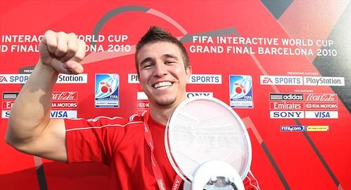 Nenad Stojkovic - FIFA Interactive World Champion en titre