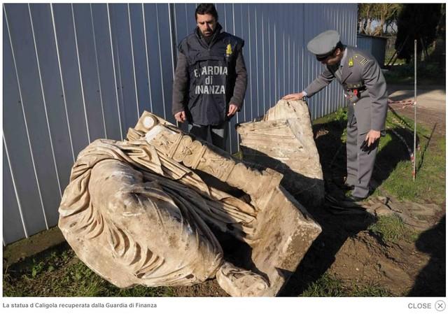 Roma  Nemi - Foto Ritrovata la Statua di Caligola a Nemi Patrimonio Archeologico della Guardia di Finanza (2531-01-2011) by Martin G Conde