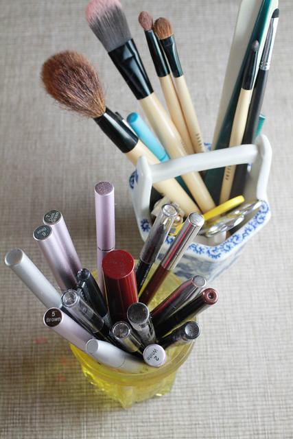 Eyeliners & Brushes