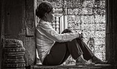 The Guardian (David Ruiz Luna) Tags: guardian chausaytevoda angkor cambodia siemreap siemriep camboya khmer temple templo patrimoniodelahumanidad unesco worldheritagesite hinduism hinduismo archaeological arqueológico khmerempire imperiokhmer asia viaje trip travel southeastasia suresteasiático indochinapeninsula penínsuladeindochina turismo touring tourism people gente touraroundtheworld khmertemple jemer complejoarquitectónico architecturecomplex monument history atracciónturística touristsites cultura culture monumentoshistóricos historicalmonument woman mujer portrait retrato blackandwhite blancoynegro monocromático monochrome monochromatic facesoftheworld