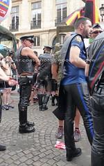 """bootsservice 17 1600543 (bootsservice) Tags: paris """"gay pride"""" """"marche des fiertés"""" bottes cuir boots leather sm motards motos motorcyclists motorbiker caoutchouc rubber uniforme uniform"""