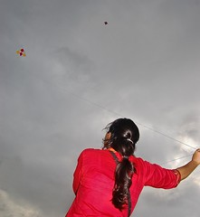 kiTe GirL [   ] ((_.*`*.ChobiWaLa.*`*._)) Tags: red sky cloud kite color girl festival lady hair bangladesh konna ghuri munshiganj maowa ripervezgmailcom