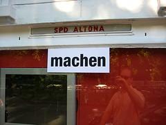 machen (NullProzent) Tags: rot kunst spd altona ottensen altonale strasenkunst wortfindungsamt sigridsandmann