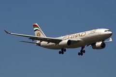 A6-EYL - 809 - Etihad Airways - Airbus A330-243 - 100617 - Heathrow - Steven Gray - IMG_4675