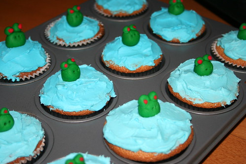 Frog cupcakes for Friday morning practice