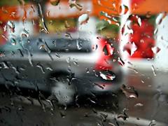 Plou plou plou! (gatet_negre) Tags: city espaa valencia lluvia spain agua pentax centre ciudad movimiento gotas aigua ciutat pluja gatetnegre desdeelinteriordeuncoche