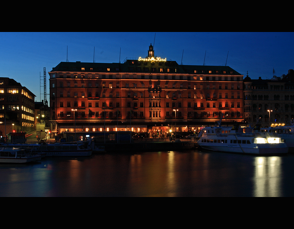 Grand Hotel at night